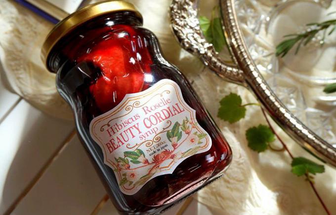ビューティー&ヘルシー!英国に伝わる女性に魅力的なコーディアルシロップ