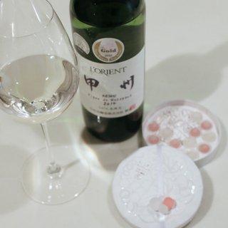 日本ワインを飴蜜の薄衣で包みこんだ可愛いボンボン