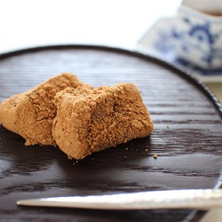"""とろとろ・もっちり・ひんやり3通りの味と食感を愉しめるisshin流""""わらび餅"""""""