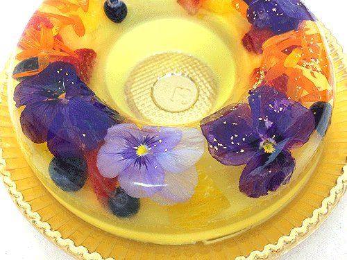 春爛漫!送別シーズンにぴったりな華やかフラワーモチーフの贈り物