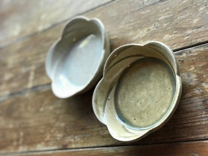 朝ドラで注目を浴びている女性陶芸家。穴窯で薪を焚いてつくる作品はやっぱり尊い!