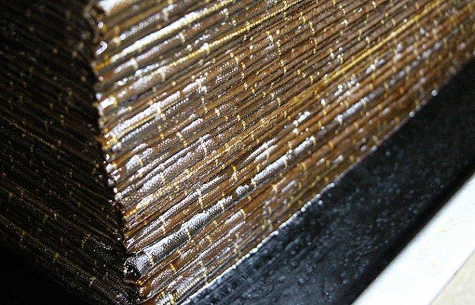 「幸せの一滴」150年育てた菌と世界にひとつしかない杉樽で造る「醤油」