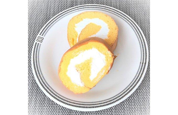 北九州で知らない人はいない!アーモンドの風味を活かしたロールケーキ「足立ロール」