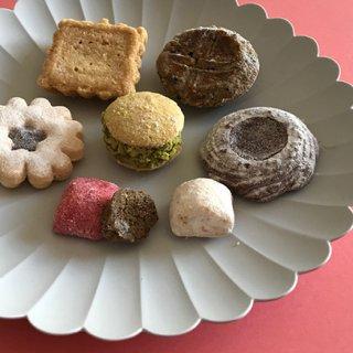 食後のデザートに「アトリエうかい」のクッキーを。