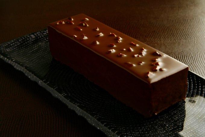 チョコレートの濃厚さがたまらない!口溶けの良さも魅力のチョコレートケーキ