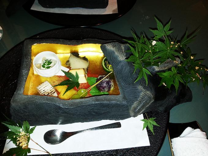 懐食みちばでひとつずつ丁寧に手作りされたチーズの西京焼き