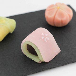 繊細さと上品さの最上級!鶴屋吉信の生菓子
