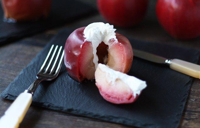 今だけのお楽しみ!おいしさがギュッと詰まった、京橋千疋屋の季節限定「焼きりんご」