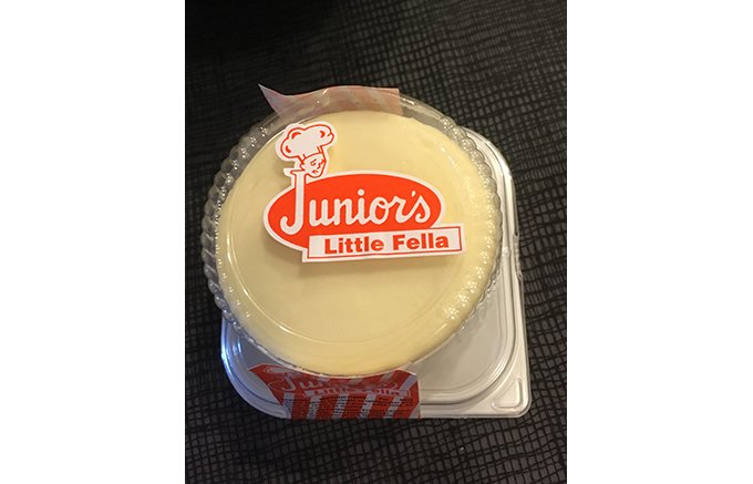 濃厚でクリーミーな「Junior's (ジュニアーズ) のチーズケーキ」