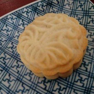 山あいに佇む古民家『芳泉茶寮(ほうせんさりょう)』で楽しむ「パイナップルケーキ」