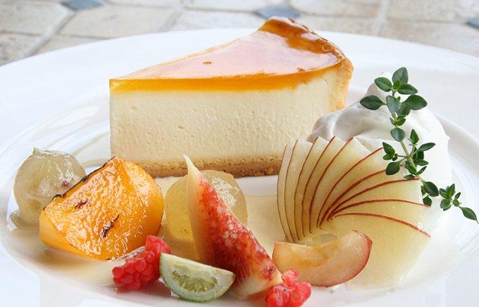 """【大阪・デリチュース】チーズ界の王様""""ブリー・ド・モー""""使用の究極のチーズケーキ"""