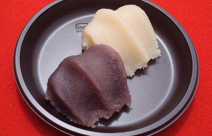 菓子博でしか味わえない!復刻版「黒い」赤福餅と、白小豆の「白い」赤福餅