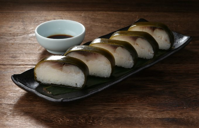 300年の伝統の味が堪能できる「吾左衛門鮓 鯖」