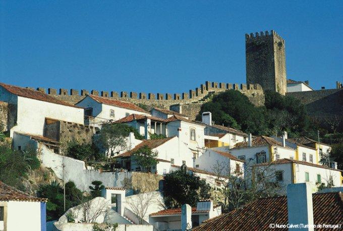 ポルトガルで一番ロマンチックな春のチョコレート祭りとさくらんぼリキュールの関係