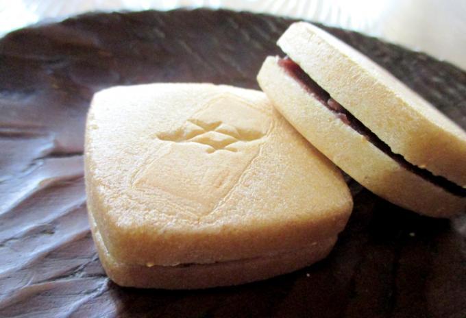 日本が誇る食文化、「和菓子」を手土産に