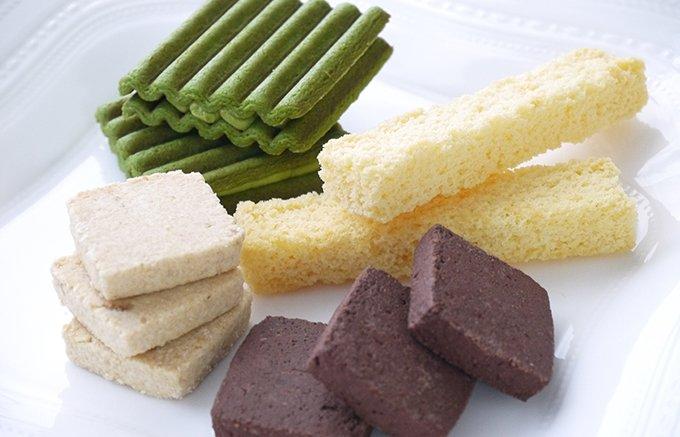 和菓子のお店「黒船」がつくる、スタイリッシュなパッケージの焼き菓子詰め合わせ