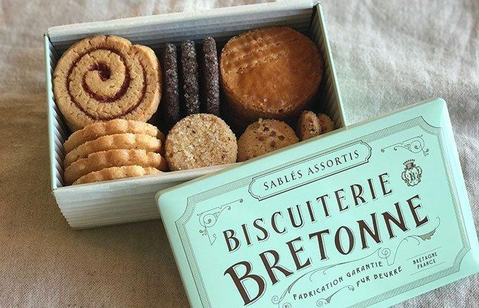 カジュアルなギフトにおすすめ!個数を気にしないで贈れるかわいい缶入りクッキー
