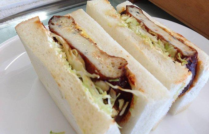 富士地区だけに伝わる甘い味付けがんもスイーツがんものサンドイッチ「がんもいっち」