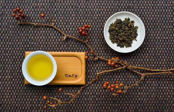 凛とした清らかな香り!個性あふれる茉莉烏龍茶遊山茶訪の「有機茉莉烏龍茶」