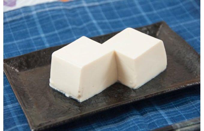 こんなの見たことない!どーんと800gの『はらから』さんのお豆腐は味わいも絶品!