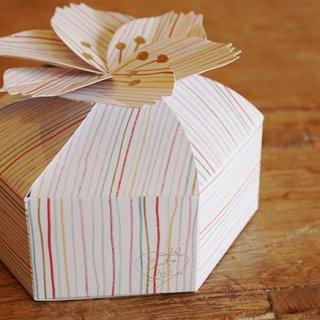 あのパッケージを作ったのは誰?一度見たら忘れない素敵な手土産