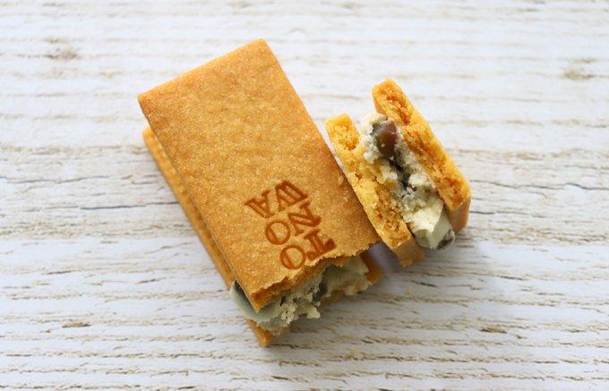 瓦せんべいの元祖『亀井堂總本店』の新顔、オリーブバターサンド「TONOWA」