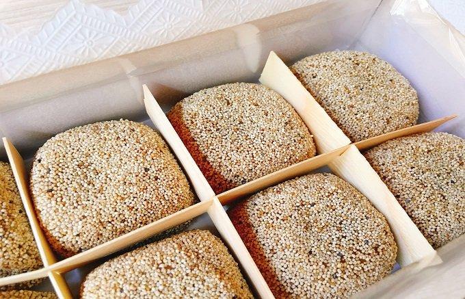 300年続く銘菓はぷちぷち&もちもち! 大阪『小島屋』の「けし餅」