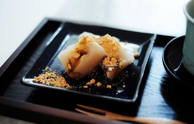 一度は食べたい!本わらび粉を使用した鎌倉 甘味処「こ寿々」のわらびもち