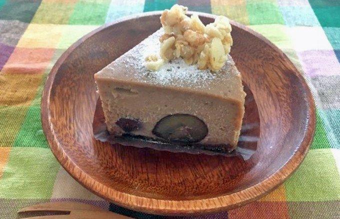 徳島発、予約必至!思わずカメラに収めたくなる穴あきチーズケーキ