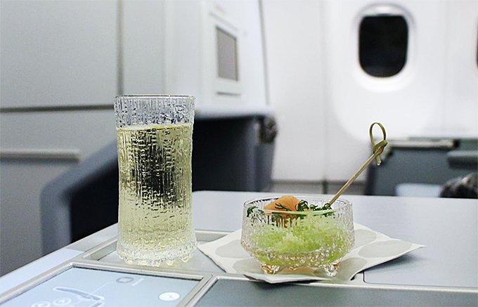 フィンエアー機内販売で手に入る「イッタラ」の特別なスパークリングワイングラス