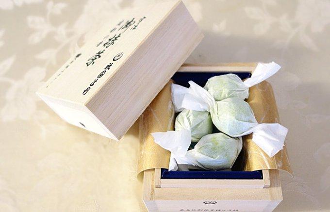 ポアールと祇園辻利の究極のコラボレーション「御抹茶トリュフ」