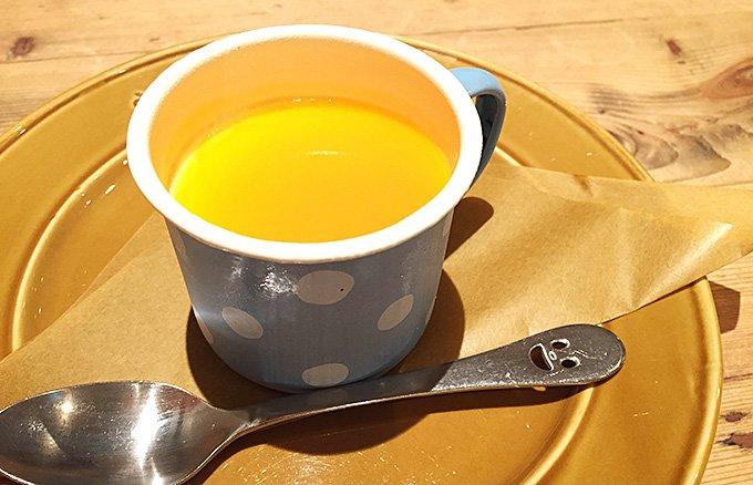 水玉模様のホーローカップがかわいい!ア・ラ・カンパーニュの夏のミルクプリン