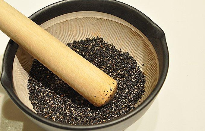 大正9年から京都の高級料亭専門に卸してきた『和食割烹材料卸』祇園むら田の胡麻