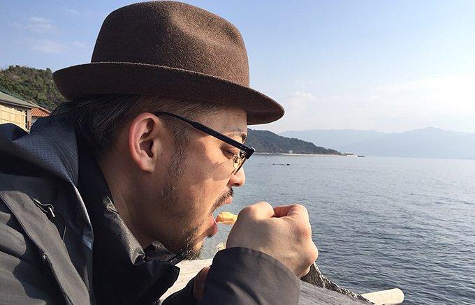 1日1800個売れる!福岡県糸島の絶景で食べる「花塩プリン」