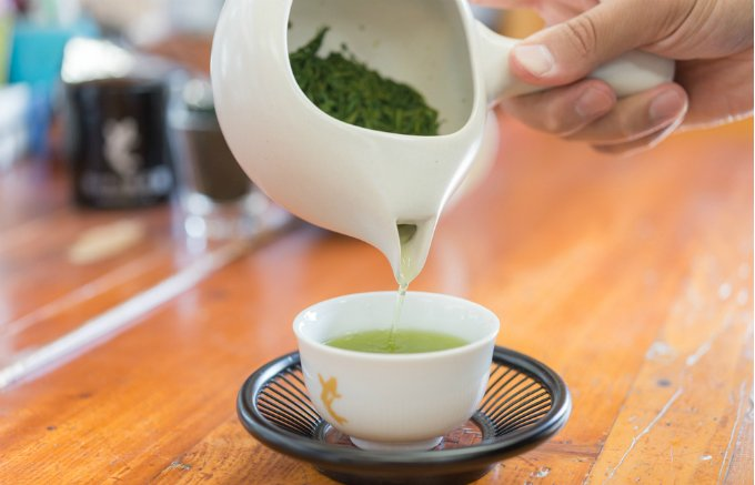 茨城県を代表する彩りも美味しさも兼ね備えたお茶の根本園の「緑茶」と「紅茶」