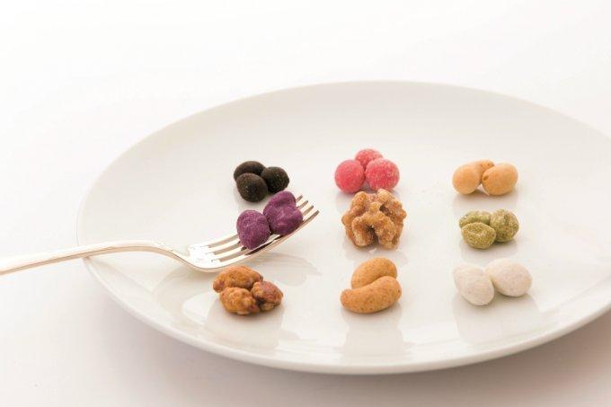 富と繁栄のシンボル!新年のご挨拶は縁起物の豆菓子で