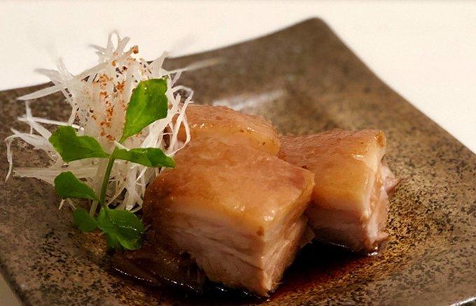 冷凍食品の概念を覆す新ブランド『MAMAMA』の「秋田県産桃豚のとろける角煮」