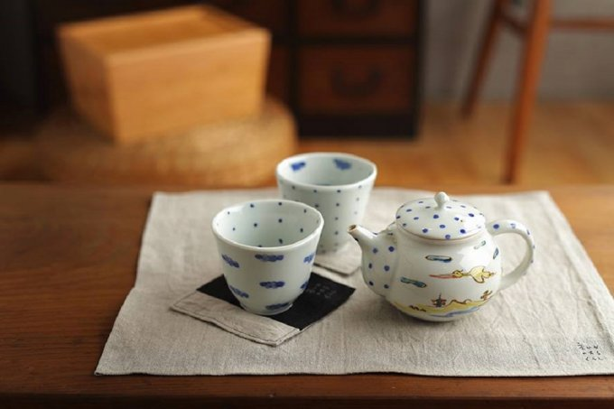 毎日食卓に並べたい!紋様もカタチも可愛くて温かい砥部焼。