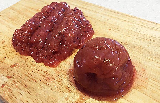 昔ながらのしょっぱさが味わえる紀州南高梅の梅干し「つぶれ梅 しそ漬け」