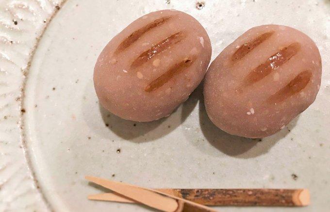 """可愛いフォルムの""""うり坊""""に似た伝統の和菓子!無病息災を願う「亥の子餅」"""