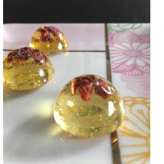 黄金色のべっこう飴は、人間関係を円滑にする魔法のアイテム