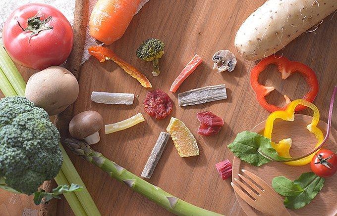 野菜を食べるのが楽しくなる!野菜スナックとサラダのお供