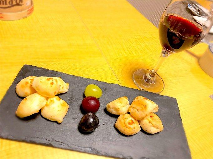 ワインにぴったりのお手軽おつまみパン「ポン・デ・4種のチーズ」