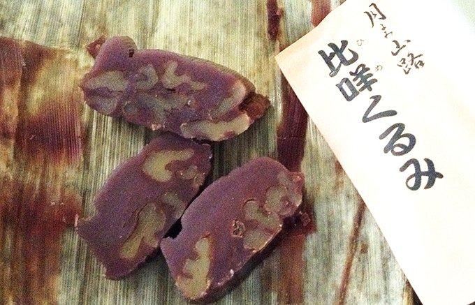 金沢で生産が追いつかない松葉屋の「栗蒸しようかん」と「比咩くるみ」