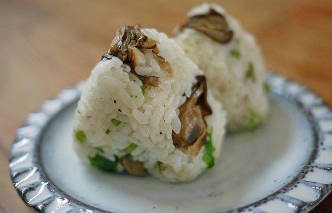 締めのおにぎりも最高!牡蠣がぎっしり詰まった大満足の燻製牡蠣のオイル漬け缶詰