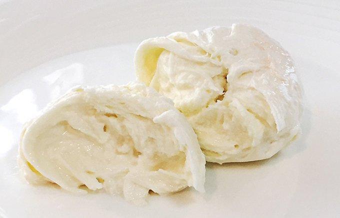 本場イタリアのものにも負けない国産のモッツァレラチーズ!