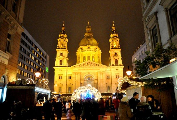 ハンガリーのクリスマス伝統菓子はクリームじゃないロールケーキ