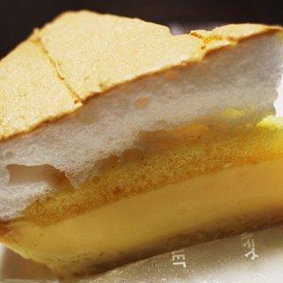 甘いのにすっきり!さわやかな余韻にときめくレモンのケーキ