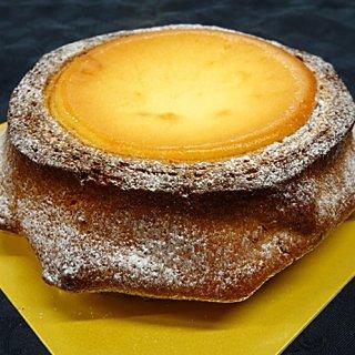 まるで切り株!バウムクーヘン×チーズケーキの名作「タイズバウム」