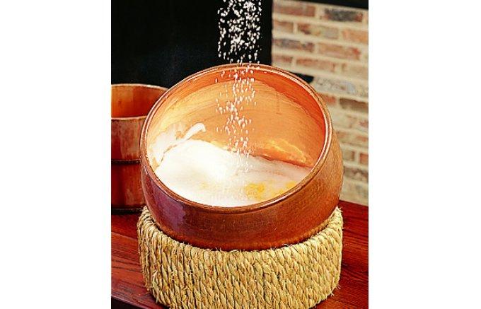 職人技が光る!ザラメ糖の食感が美味しい『福砂屋』の「カステラ」